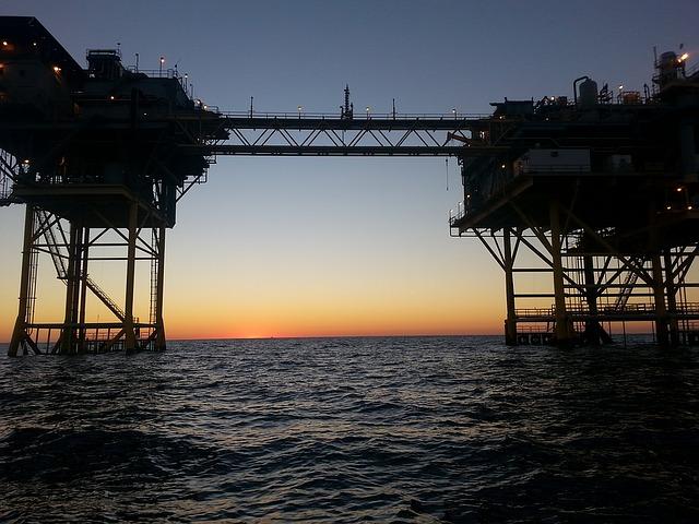 offshore platform, OIM injured